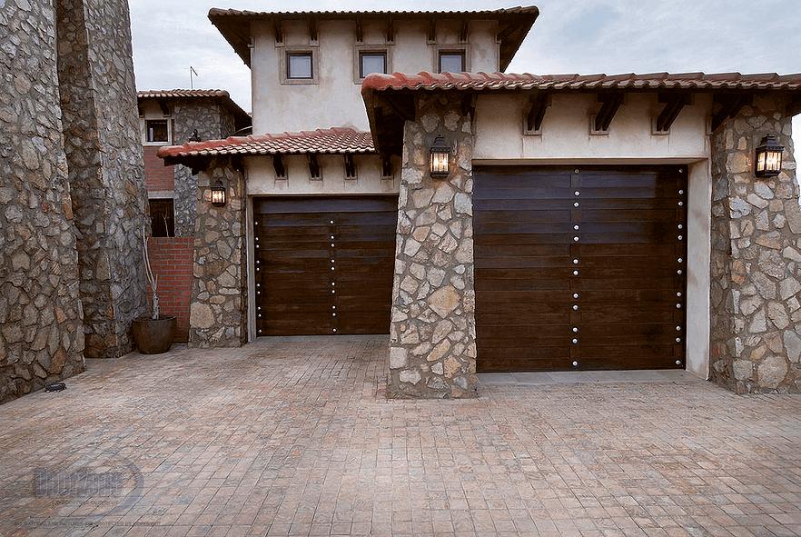 Garage Doors Drakes Aluminium